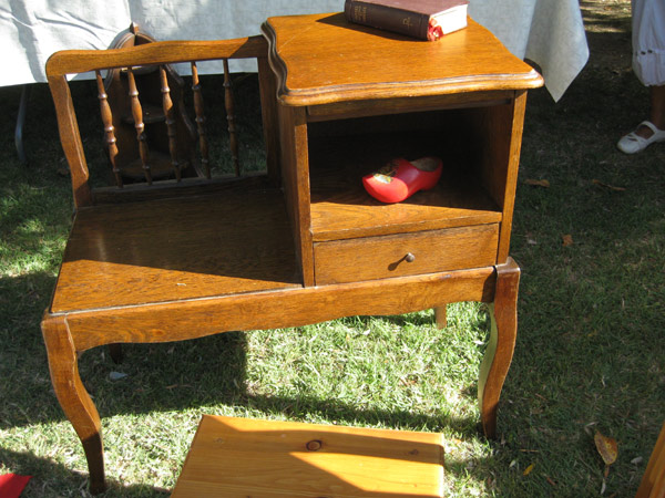 petitebrocante04 fauteuil et meuble telephonne. Black Bedroom Furniture Sets. Home Design Ideas